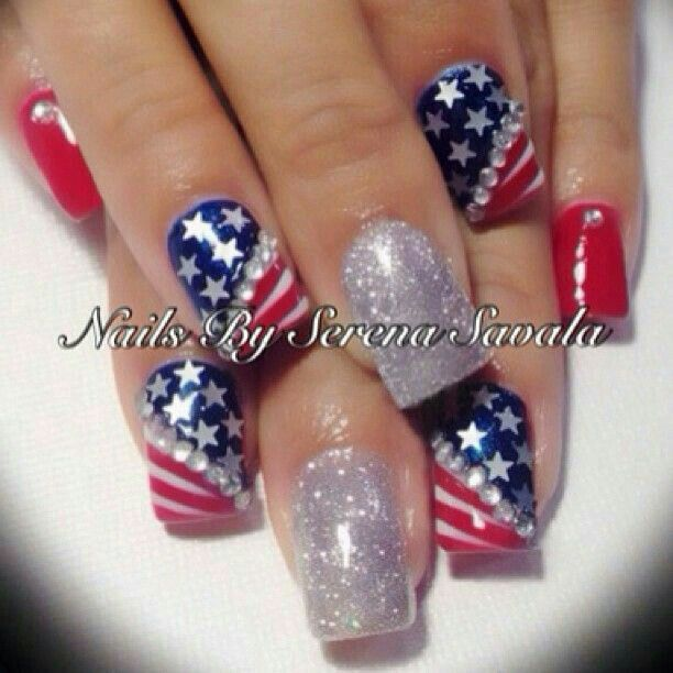 4th of July nails with a glitter sparkle!!