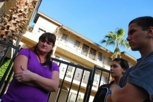 Helping Oc Motel Families Kids Family Kids Helping Others Family