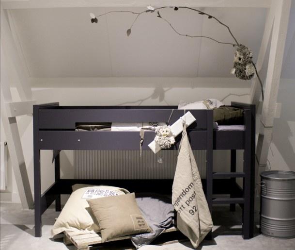 Stoere jongenskamer mooi bed door mirjam78 boysroom pinterest bedden deuren en foto 39 s - Schilderij tienerkamer jongen ...