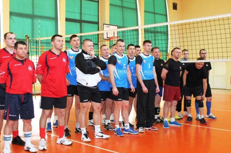 Strażacy z Braniewa na 3 miejscu w turnieju piłki siatkowej...