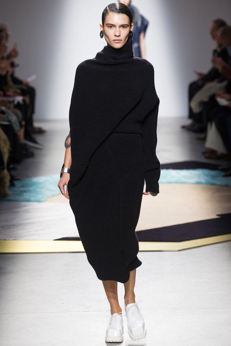 Acne Studios Fall 2014 Ready-to-Wear Fashion Show - Iana Godnia (Elite)