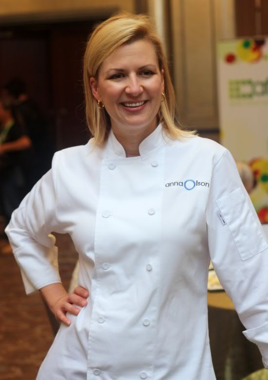 Anna Olson (Born 1968 Atlanta, Georgia, U.S.) Is a professionally trained pastry chef. She currently resides in Welland in the Niagara region of Ontario, Canada. She is the host of Bake with Anna Olson on Food Network Canada. She was previously the host of Food Network Canada's Fresh with Anna Olson,[1] Sugar and Kitchen Equipped. http://www.annaolson.ca/