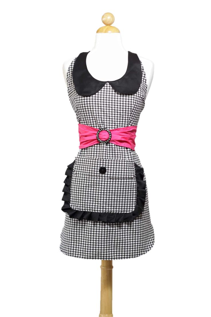 White apron meals - Prissy Novelty Cooking Apron For Women In Black And White Houndstooth Print Side View