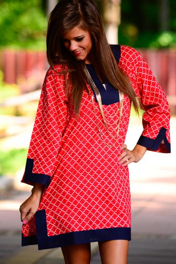 This Jackie O inspired tunic is simply fabulous! We love the pattern and the red, white and blue is perfect for the Fourth of July! You're sure to be a knockout where ever you go!
