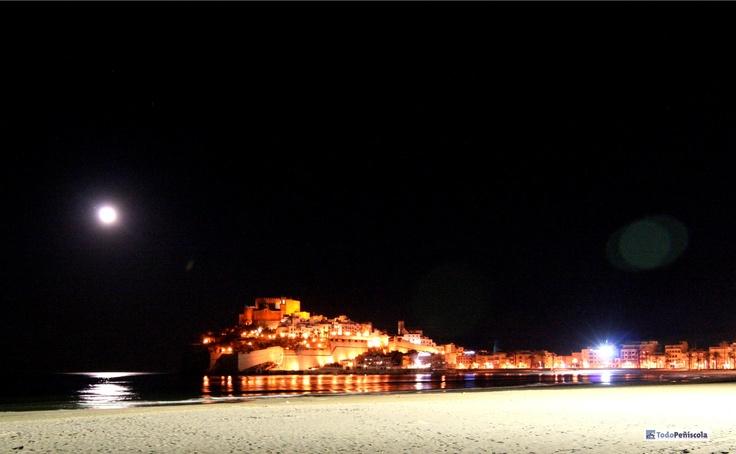 Castillo de Peñiscola de noche
