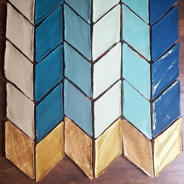 ♢♢DIAMOND COLLECTION♢♢Ready to buy online✔ visit our website www.tiledesire.com 🔝more info and sample request at info@tiledesire.com #glazed #terracotta #handmade #tiles by ♢•TILE DESIRE •♢ . #Tiledesire #glazedterracotta #ceramictiles #tile #tiles #handpainted #walltiles #kitchenwalls #vintagetiles #antiquetiles #londontiles #londondesign #bohostyle #bohotiles #interiordesign #artisantiles #archilovers #ihavethisthingwithtiles #tileaddiction #tuesdaytiles #moroccanstyle #bespoketiles…