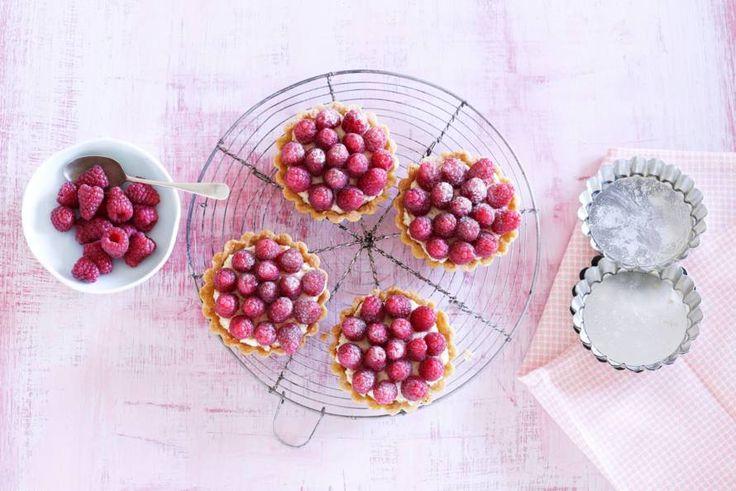 Nooit meer ruzie om wie het grootste stuk heeft, ieder krijgt z'n eigen taart(je) - Recept - Allerhande