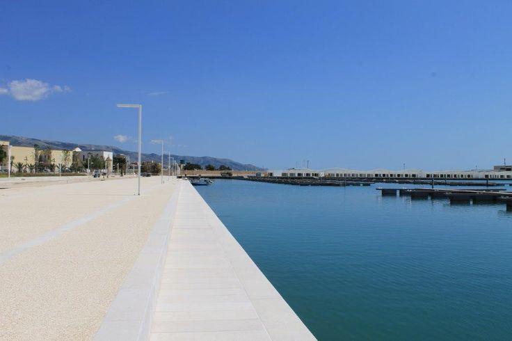 #Sassoitalia in armonia col paesaggio: lo si può ammirare dallo splendido porto turistico di #Manfredonia! #mare #Pavimento #summer