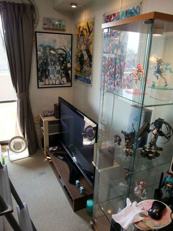 28 best images about anime figure collection display on pinterest shelves manga comics and anime. Black Bedroom Furniture Sets. Home Design Ideas