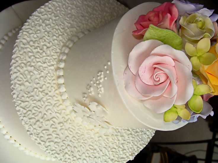 Really smooth buttercream with no detail on sides with lacy detail on top  of the tiers  not on sides just a real simple topper41 best Wedding Cakes images on Pinterest   Marriage  Wedding cake  . Real Simple Wedding Cakes. Home Design Ideas
