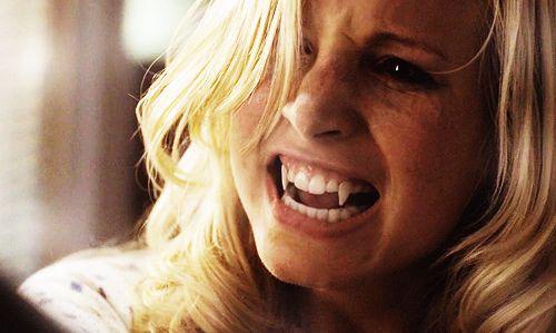 Caroline Vampire Diaries    ... caroline-forbes-fangs-runawaylove blogg no-the-vampire-diaries-Favim