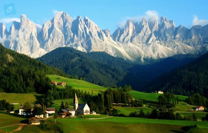 #austria #tour #packages #from #dubai Discover the old oontinent (Europe) through one of its beautiful country, Austria in our Austria Travel Packages.Take the stunning photos with the amazing backgrounds of Salzburg gardens from top of Festungsberg mountain, where Hohensalzburg Fortress is stood.