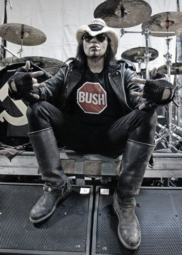 Al Jourgensen - Ministry haha love his shirt hope he is happy we stopped Bush now we have it worse OBAMA