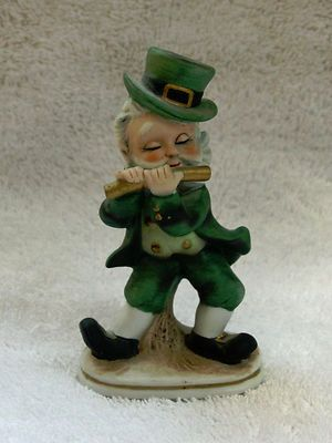 Vintage Lefton Wee Irish Leprechaun Piper Bisque Figurine