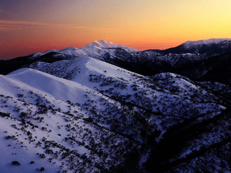Foto per sfondi desktop - Montagne innevate: http://wallpapic.it/paesaggi/montagne-innevate/wallpaper-41087