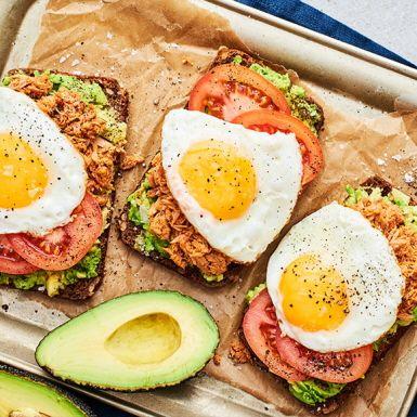 Avokadosmörgås med tonfisk och harissa