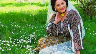 Știați că printre interpreţii de muzică populară cei mai cunoscuţi, cu care Elisabeta Turcu Juverdeanu şi-a intersectat destinul artistic, au fost Benone Sinulescu, Ion Dolănescu, Mioara Velicu, Maria Butaciu, Maria Ciobanu şi Irina Loghin (cu care de multe ori a fost confundată).