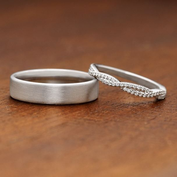 These gorgeous wedding rings have an elegant and timeless feel. ==
