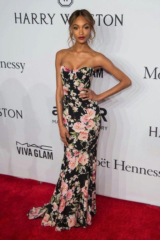 Jourdan Dunn is wearing Dolce & Gabbana: Floreal Collection Spring-Summer 2016.