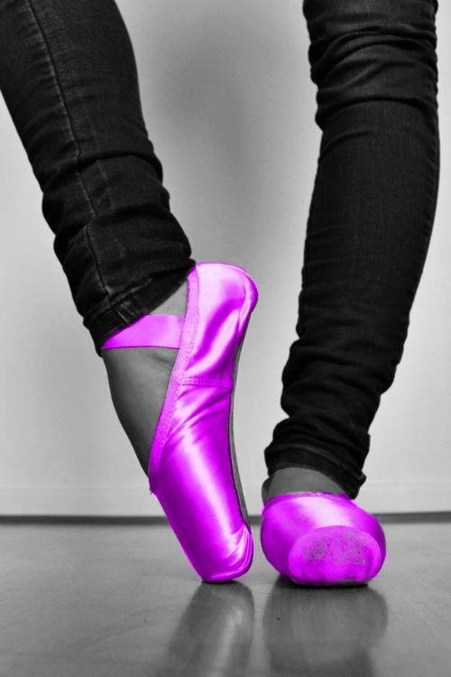 I WANT THESE POINTE SHOES.  ♥ Wonderful!  www.thewonderfulworldofdance.com
