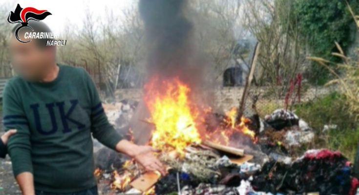 Napoli, sorpresi a bruciare rifiuti: 3 persone arrestate e 22 denunciate | Report Campania