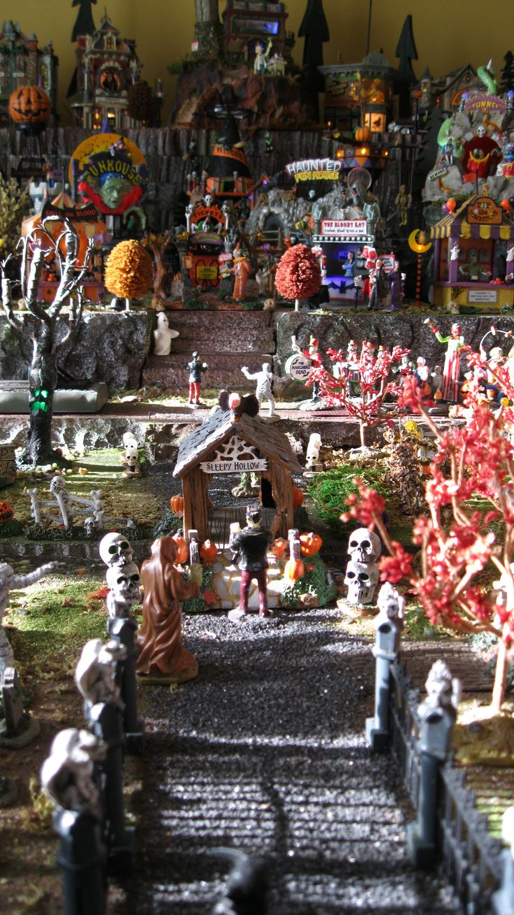 56 Best Images About: 17 Best Images About Halloween Village Ideas & Displays On