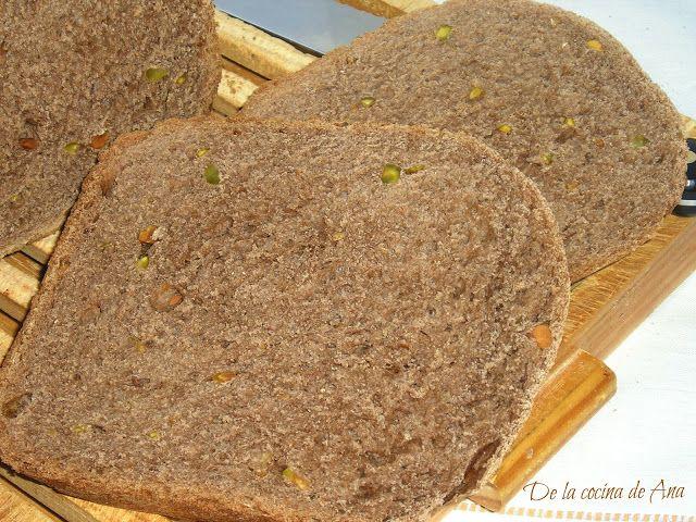 Pan de Chocolate y Pistachos (Panificadora)