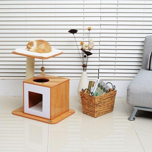 Precioso rascador para gatos. Es de madera MDF muy robusto y resistente. Tiene un poste, una caja para saltar con espacio interior para tumbarse y descansar. Incluye un ratón colgante de juguete para estimular y distraer a tu gato. Medidas: 54x44x63cm. Puedes comprarlo online en https://www.aosom.es/mascotas/pawhut-mueble-para-gatos-madera-felpa-sisal-54x44x63cm.html con envíos gratis a España y Portugal en 24h/48h.