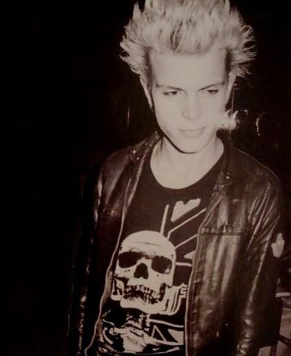 "I don't know if I should really consider billy idol ""punk"" but I just needed to post him somewhere just because he looks hot."