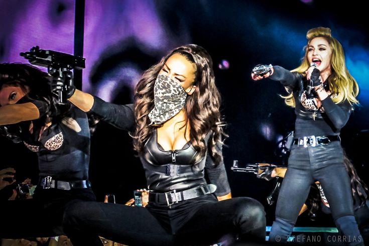 https://flic.kr/p/ciUjNw | Madonna - MDNA World Tour - Rome - Revolver | Madonna - MDNA World Tour - Rome - Revolver  © 2012 Stefano Corrias