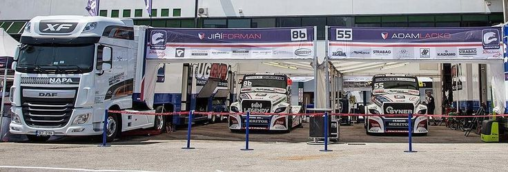 Tahače DAF vozí závodní speciály Buggyra pod vlajkou NAPA TRUCKS