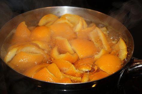 Si usted quiere que su casa huela celestial, hervir algunas cáscaras de naranja con un 1/2 cucharadita de canela a fuego medio. Mi olor favorito en el universo entero, de todos los tiempos.