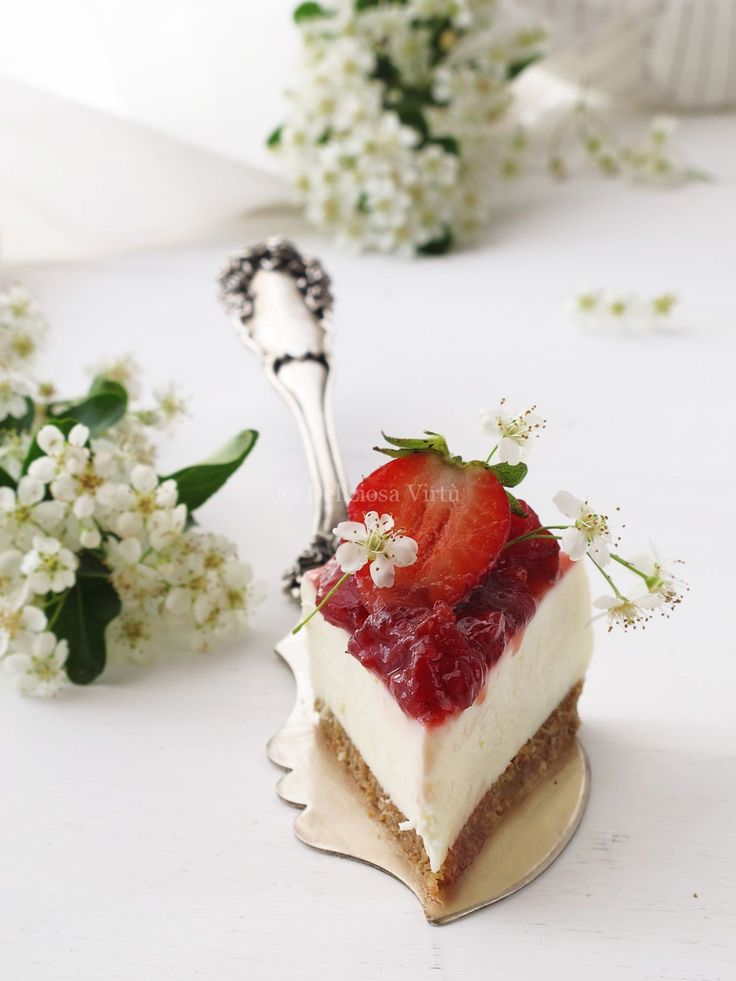cheesecake al cioccolato bianco e fragole