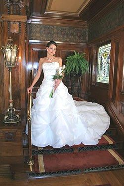 Experience your special day in the intimate & elegant settings of the Ruthmere Mansion and Gardens