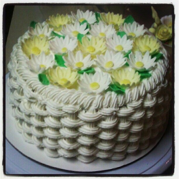Basket Weaving A Cake : Best images about basket weave cakes on