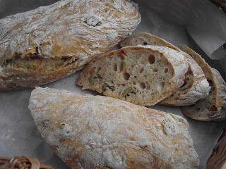 Tanulj meg sütni!: Dagasztás nélküli, mediterrán kenyér olajbogyóval