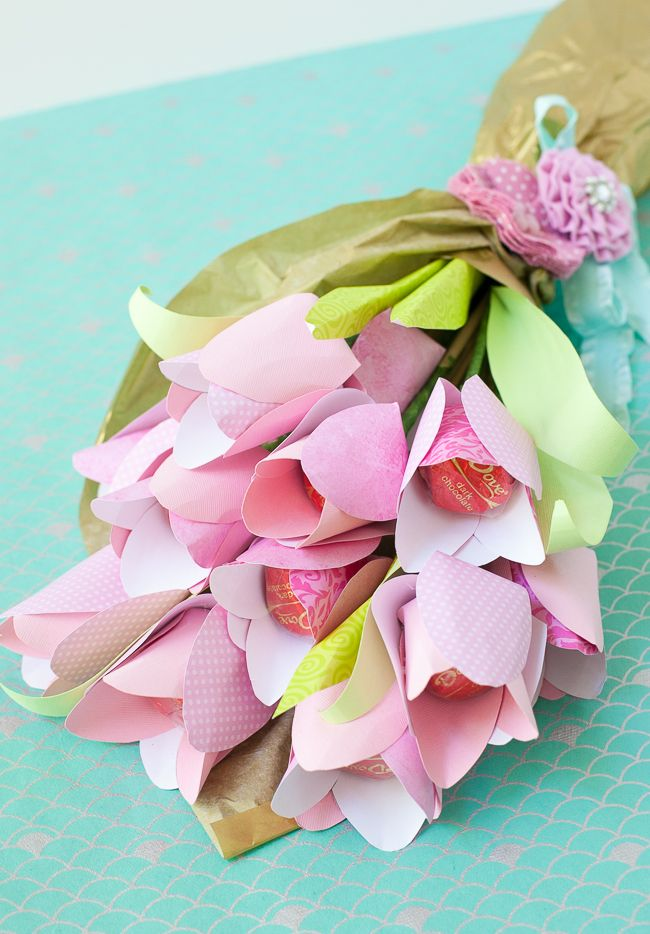 Dove Mothers Day DIY paper flower tulip bouquet templates. Frog Prince Paperie
