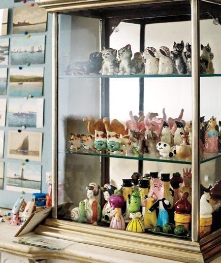 17 best images about shelf display ideas for home on pinterest honeycomb shelves vintage - Salt and pepper shaker display case ...
