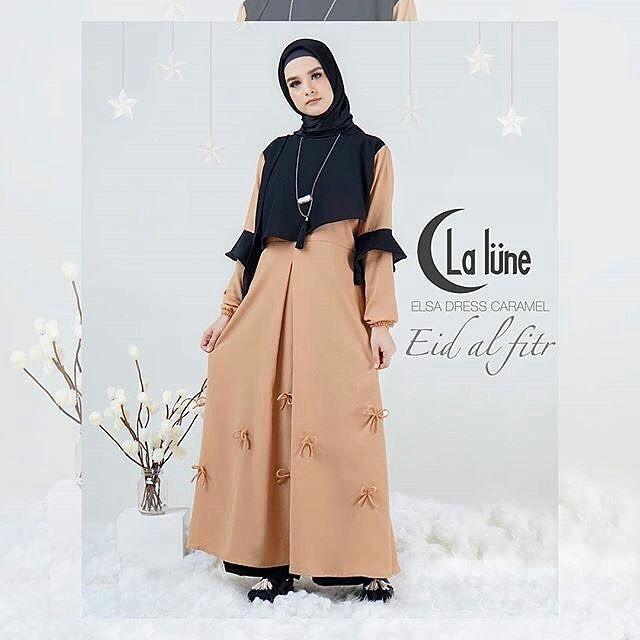 #Elsa dress Harga 415.000 Pilihan warna : hitam mix grey & caramel mix black ( 2 pilihan warna )  Lingkar dada : 105 cm Panjang : 140 cm  All size fit to L  Material : wollycreep mix bubble ( HQ ) Detail : tidak busuy friendly & terdapat variasi pita pada bagian bawah dress Status : ready tgl 16  #Dress #EidAlFitr1438HbyLalune #AranaHijab http://misstagram.com/ipost/1538273630068522702/?code=BVZC7dnlb7O