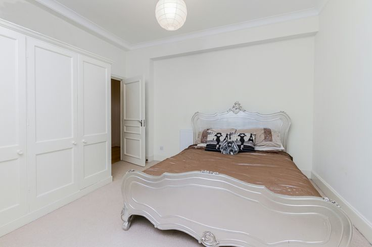 Bedroom basement flat London SW3 #cutlerandbond #basementflat #gardenflat #londonproperty