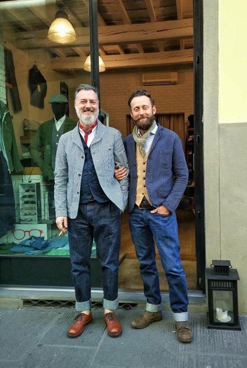 Флоренция, ее стильные мужчины, ее стильные витрины. Фото Liudmila Musatova и Irina Zhigmund #тренды #followme