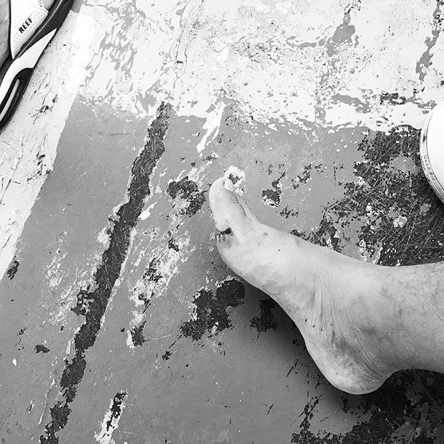 【orochin0_seiya】さんのInstagramをピンしています。 《船のデッキですべってさっそく足負傷 #タイ #パンガン #パンガン島#phangan #kohphangan #年末年始 #バケーション #リゾート #クリスマス #カウントダウン #ハッピーニューイヤー2017 #psytrance #psychedelictrance #goatrance #trance #サイケ #rave #レイブ #fullmoonparty #武田 #船 #海 #大荒れ》