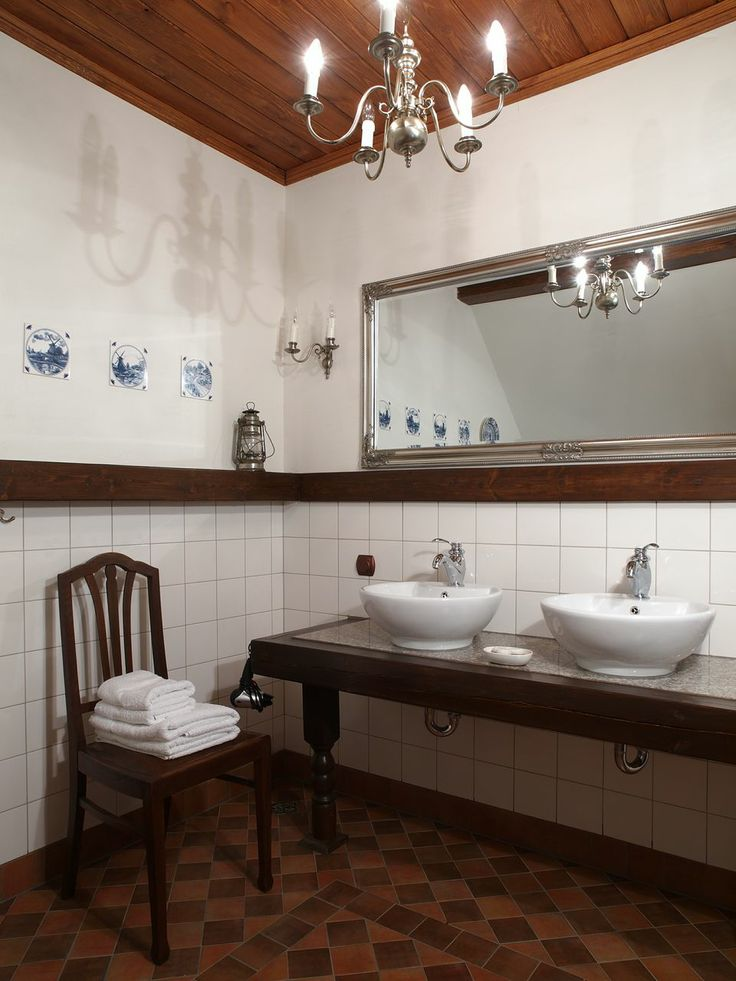 "Bathroom in the ""Swans"" - Riverside Manor (Kiermusy, Poland)."