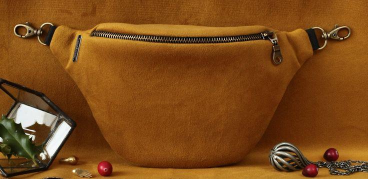 Anacomito Velvet Belt Bag