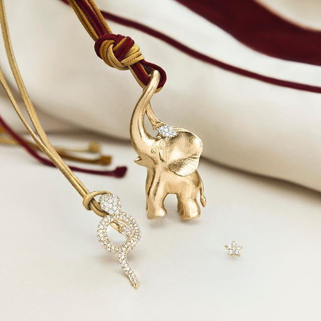 Make a drumroll for the new elephant 2016 designed by Ole Lynggaard.  We believe, no circus theme is complete without an elephant. #circustheme #2016 #olelynggaard #elephant #18k #gold #diamonds #olelynggaardcopenhagen #charlottelynggaard @charlottelynggaard_dk