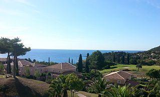 STUDIO+CONFORT+MAGNIFIQUE+VUE+MER+-+Agay+-+Cap+Estérel+-+Saint+Raphaël+++Location de vacances à partir de Pays de l'Estérel - Fayence @homeaway! #vacation #rental #travel #homeaway