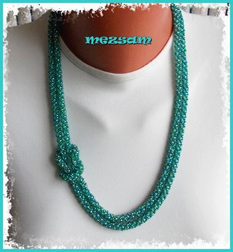 Csillogó zöld spirál - nyaklánc
