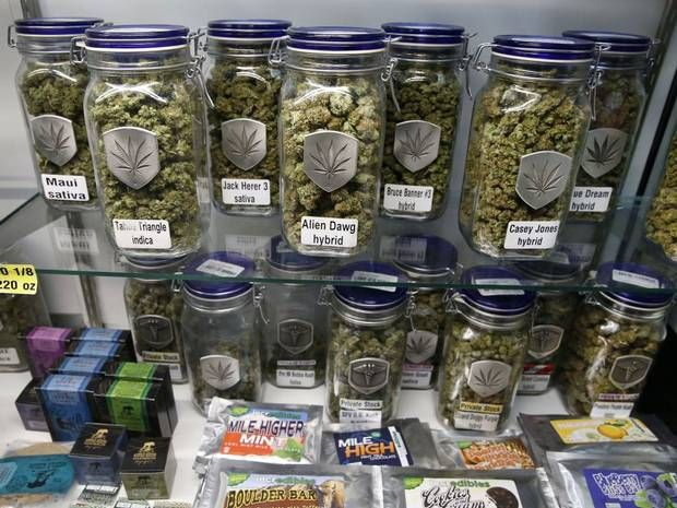 US government issues 'cannabis cash' guidelines to banks -The Obama administration on Friday issued new law-enforcement guidelines aimed at encouraging banks to start doing business with state-licensed marijuana suppliers, like those in Colorado, even though such enterprises remain illegal under federal law.