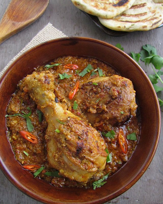 Bhuna Murgh- Slow Cooked Chicken with Spices...A traditional & (sometimes) time-consuming dish like this is a must in my house at least once a week..mostly middle of the week.The week usually starts on a very low note with soups,salads, len...