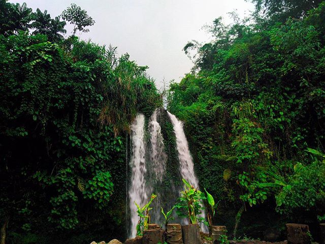 Pernah denger Air Terjun Kembar?... by @fdhlann. #pic #picture #photos #photograph #foto #instaphoto #pictures #fotografia #color #capture #camera #moment #insta #pics #snapshot #사진 #all_shots #写真 #composition #фото #nice #good #day #lovely #perfect #passportready #getaway #instavacation #travelwriter #travelblogger #travelblog #traveltheworld #travelphoto #igtravel #travelbug #travelpics #travellife #traveladdict #travelingram #travelling #globetrotter #instapassport #traveller #traveler…